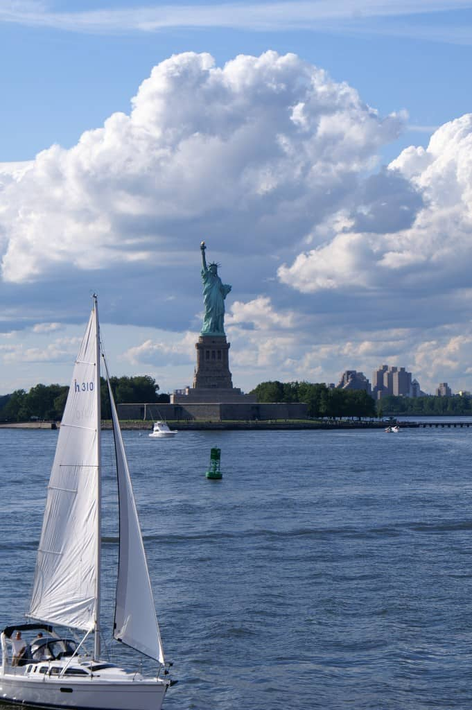 מבט מבאטרי פארק על פסל החירות